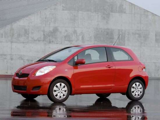 2010 Toyota Yaris Earns Points for Fuel Efficiency and Safety