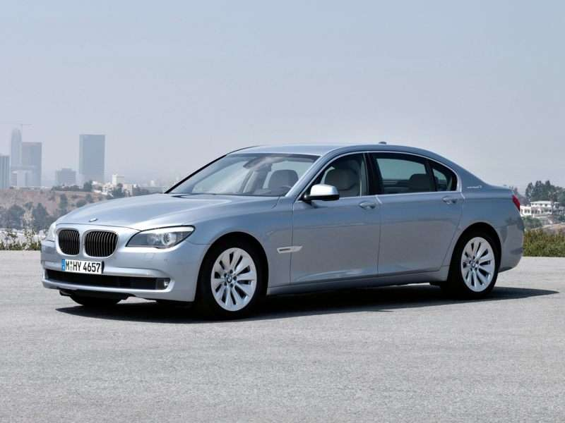 Research the 2012 BMW ActiveHybrid 750