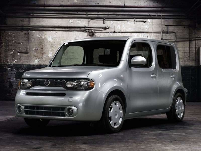 Research the 2012 Nissan Cube