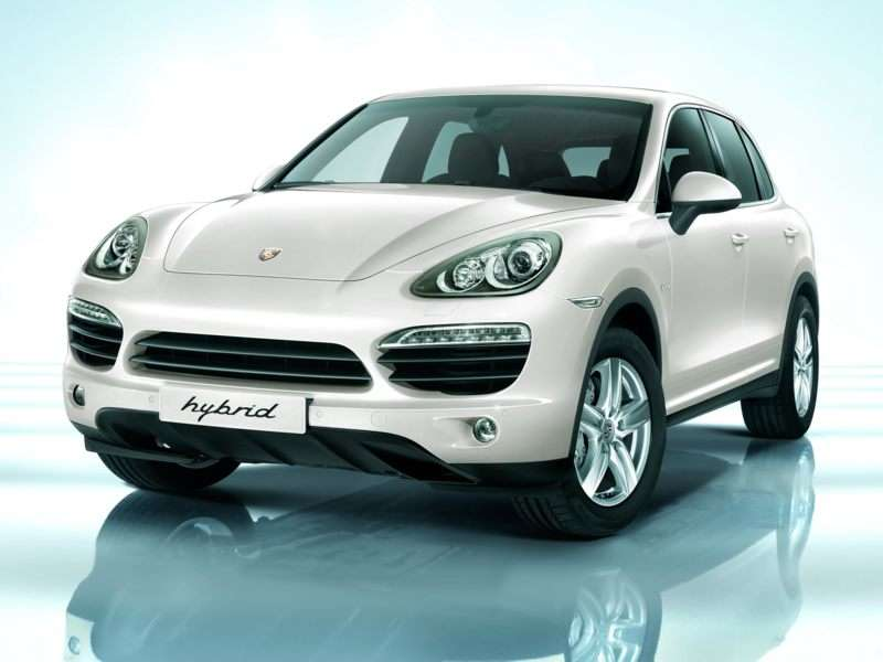 Research the 2013 Porsche Cayenne Hybrid
