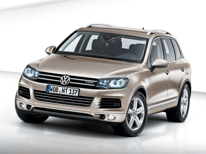 Research the 2013 Volkswagen Touareg Hybrid