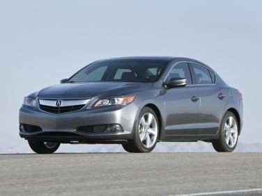 2013 Acura ILX 2.0L w/Premium Package (A5)