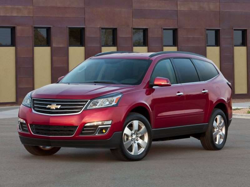 Research the 2013 Chevrolet Traverse