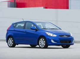 2013 Hyundai Accent GS 4dr Hatchback
