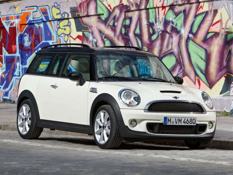 Research the 2013 MINI Clubman