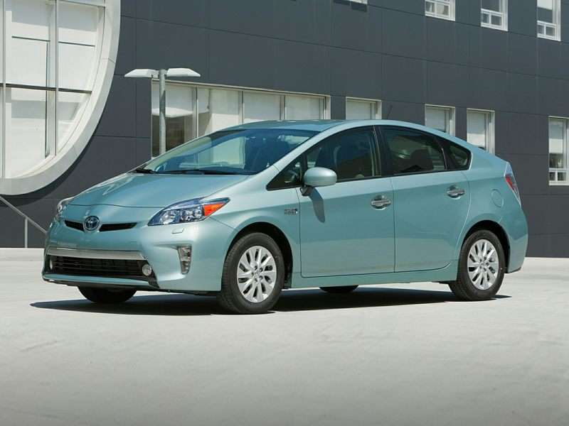 Research the 2015 Toyota Prius Plug-in