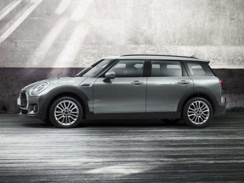 Research the 2016 MINI Clubman