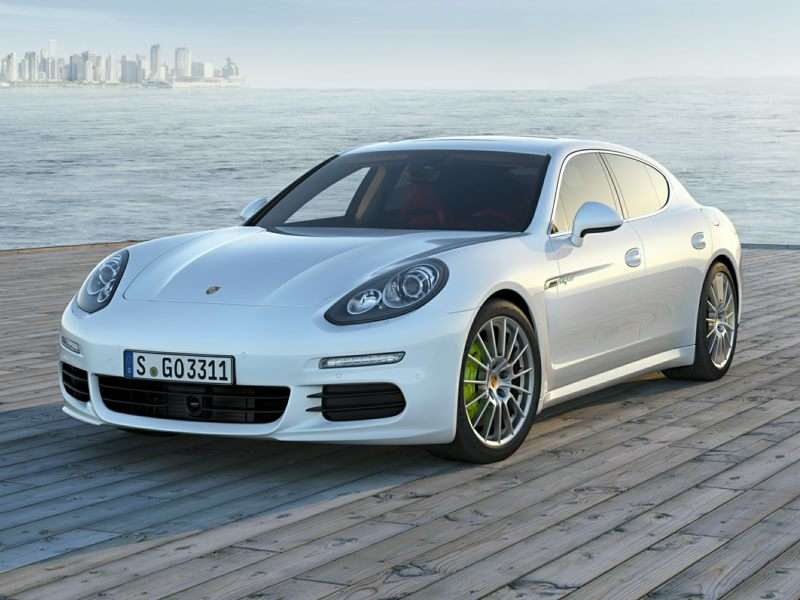 Research the 2016 Porsche Panamera E-Hybrid