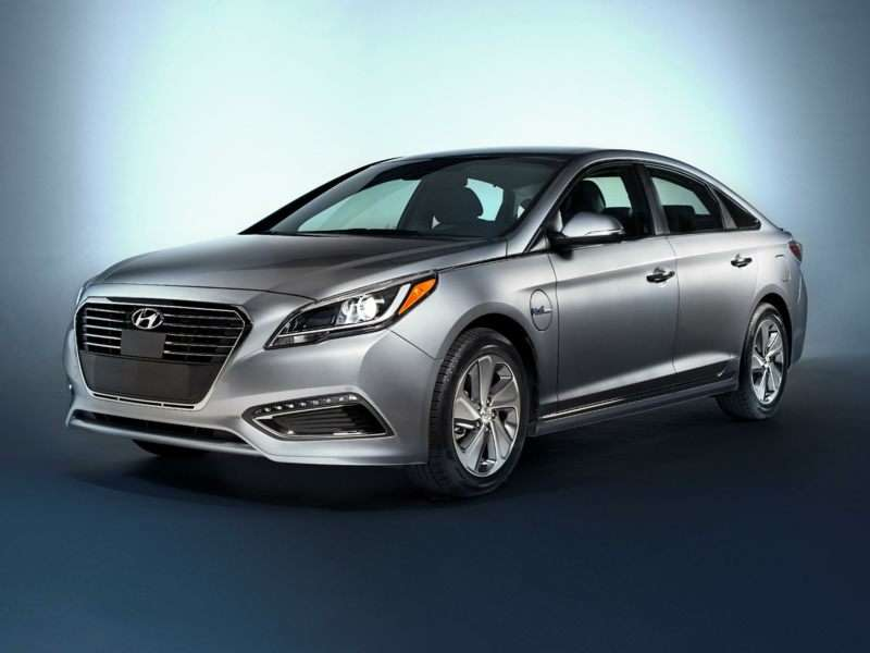 Research the 2017 Hyundai Sonata Plug-In Hybrid