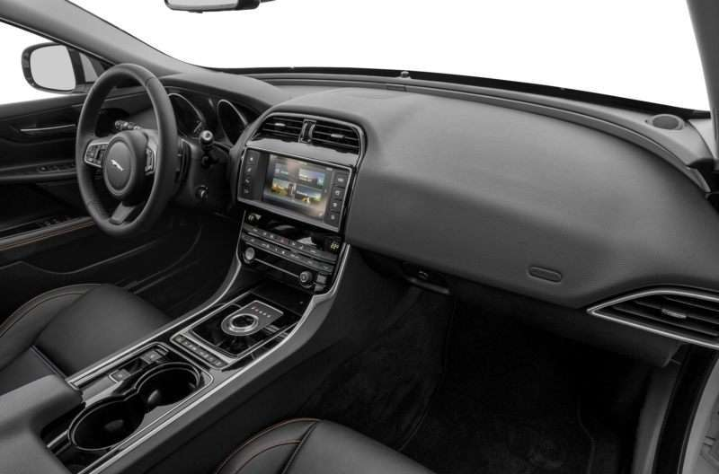 2017 Jaguar XE 20d Premium RWD