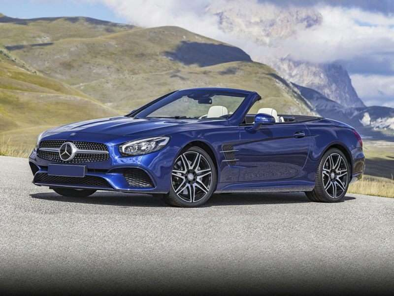 Research the 2017 Mercedes-Benz SL550