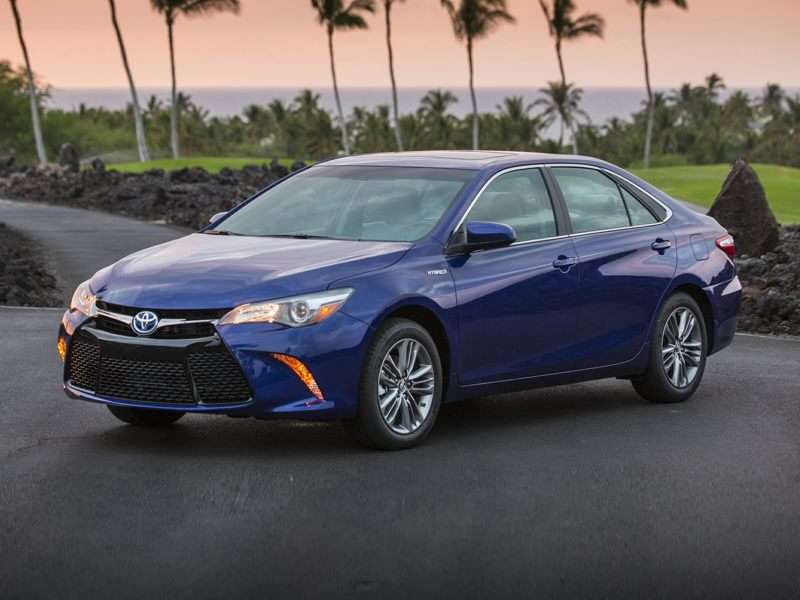 Research the 2017 Toyota Camry Hybrid