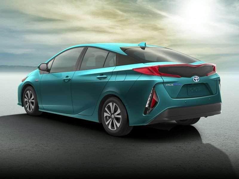 Research the 2017 Toyota Prius Prime