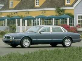 1999 Jaguar XJ8 Base 4dr Sedan