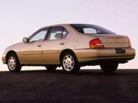 1999 Nissan Altima XE 4dr Sedan