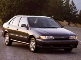 1999 Nissan Sentra XE 4dr Sedan