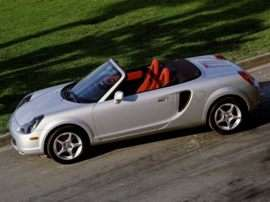2000 Toyota MR2 Spyder Base 2dr Convertible
