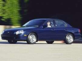 2001 Hyundai Sonata Base 4dr Sedan