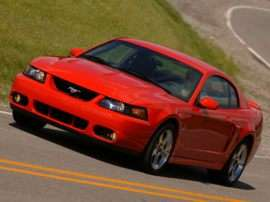 2004 Ford Mustang Cobra 2dr SVT Coupe