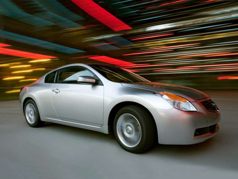 Research the 2008 Nissan Altima