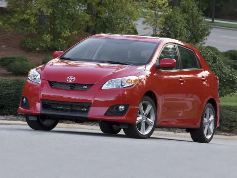 2009 toyota matrix red