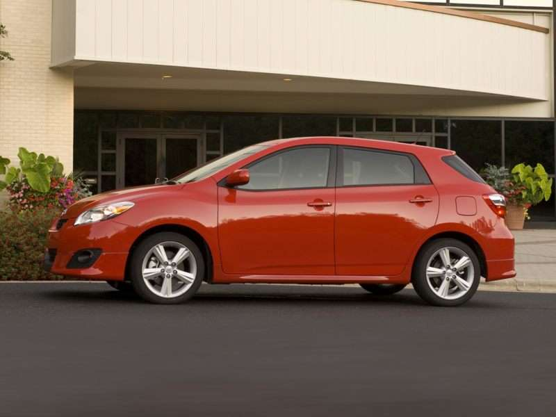 2009 toyota matrix review. Black Bedroom Furniture Sets. Home Design Ideas