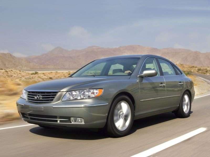 2010 Hyundai Azera Pictures Including Interior And Exterior Images Autobytel Com