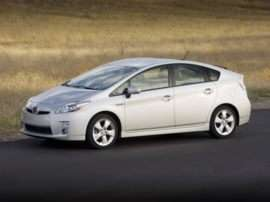 Toyota Prius Returns Relatively Unchanged for 2011