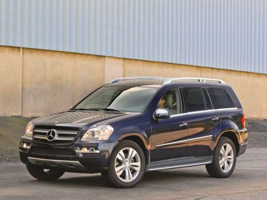 10 luxury suvs that can tow a ton or even two for Mercedes benz gl class luxury suv