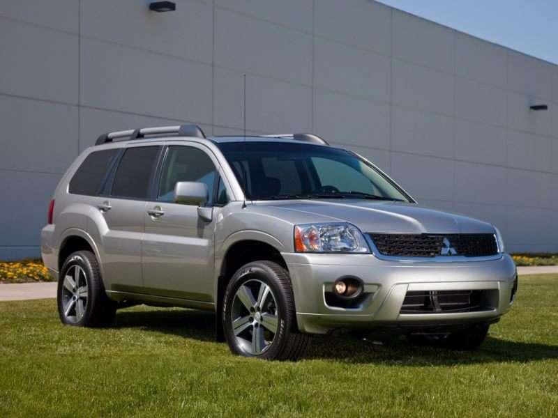 Research the 2011 Mitsubishi Endeavor