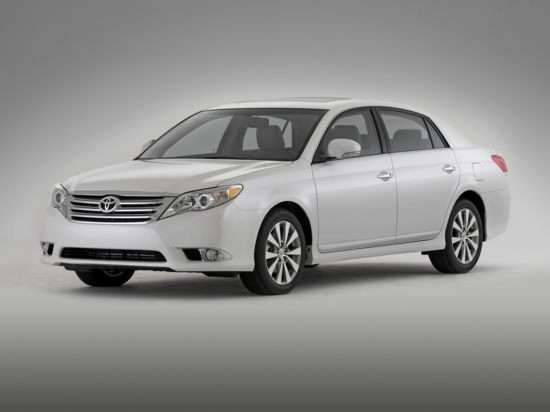 Krome on Cars on the 2011 Toyota Avalon