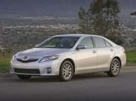 New 2011 Toyota Camry Hybrid Returns With Same Great Value, MPGs
