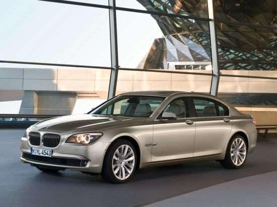 2012 BMW 750 i RWD