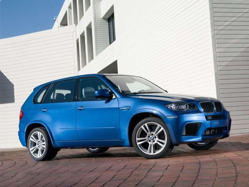 Research the 2013 BMW X5 M