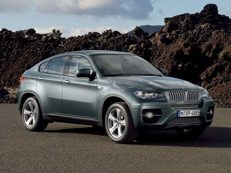 Research the 2013 BMW X6