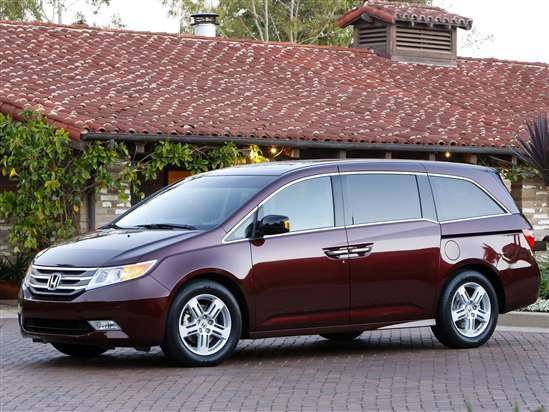 MinivanHonda Odyssey (MSRP: $28,225)