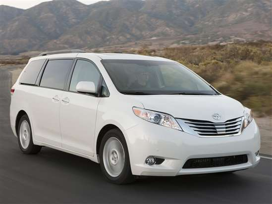 2012 Toyota Sienna: Video Road Test and Review
