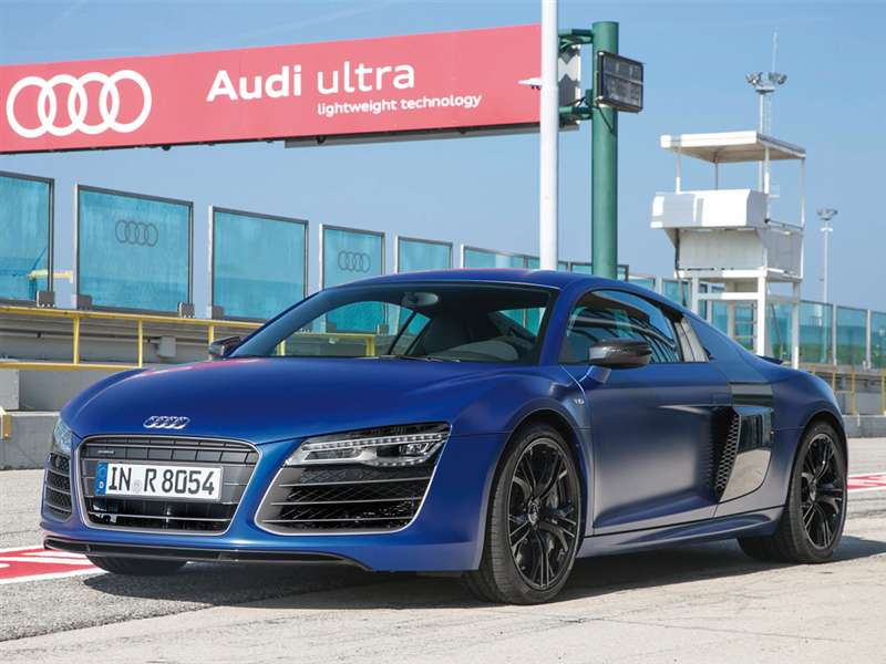 Four-rings Brand Features 2014 Audi R8 in 50 Shades of Grey