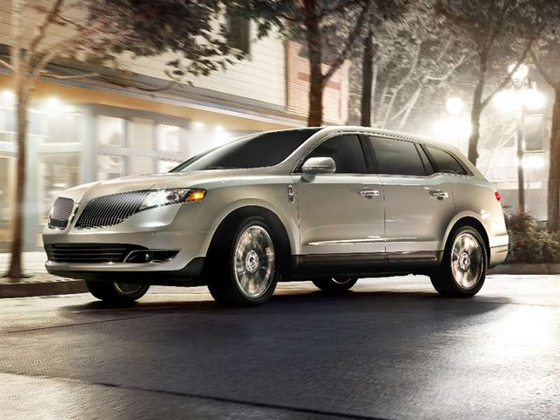 2016 Lincoln MKT Road Test and Review