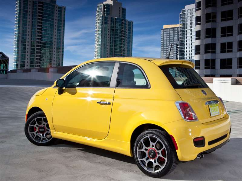 Research the 2015 FIAT 500