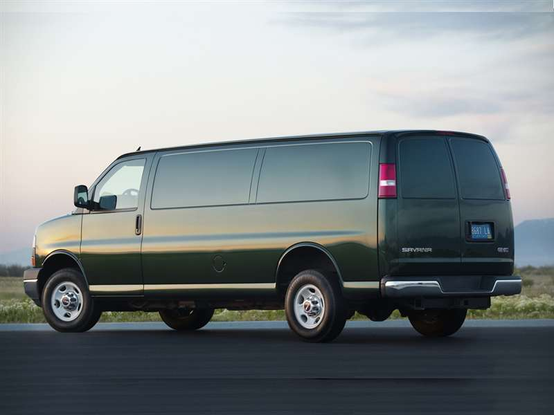 Research the 2015 GMC Savana 3500