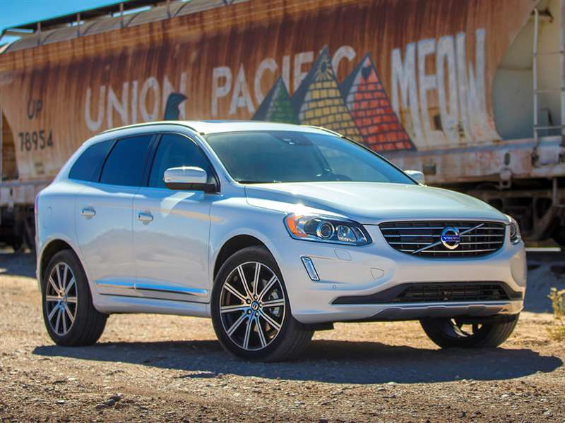 Research the 2015 Volvo XC60