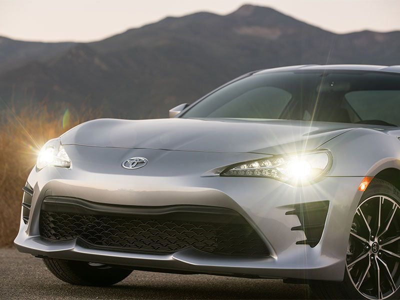 2017 Toyota 86 exterior front nose headlights wheel