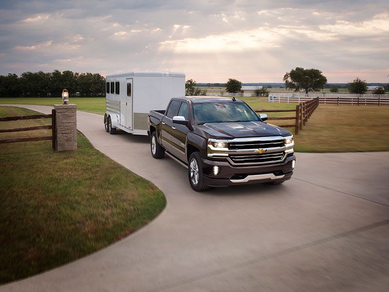 10 Best Trucks for Towing a Travel Trailer