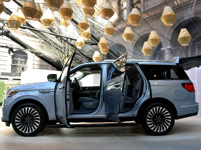 10 Things You Need to Know About the 2018 Lincoln ...