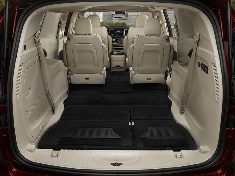 2017 chrysler pacifica road test and review. Black Bedroom Furniture Sets. Home Design Ideas