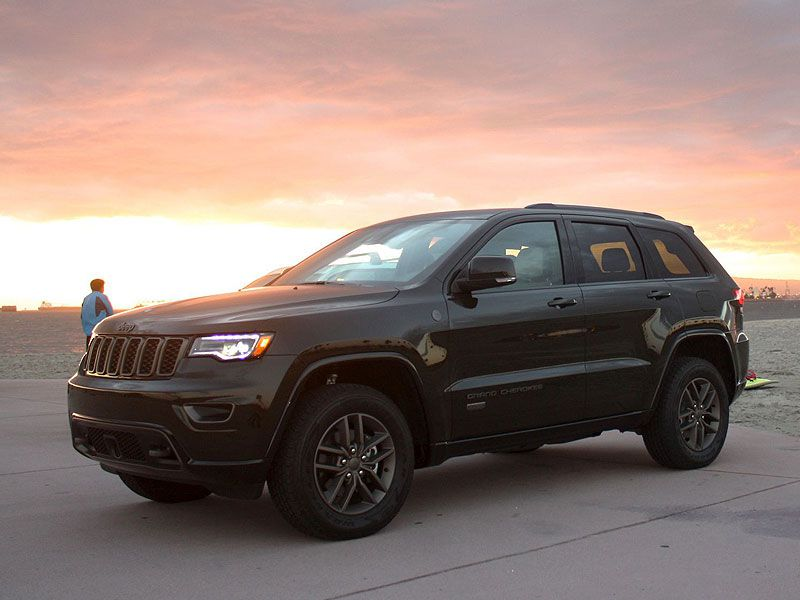 2017 Jeep Grand Cherokee Road Test and Review