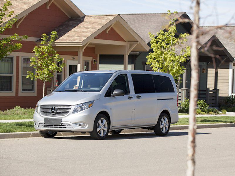2017 Mercedes-Benz Metris Road Test and Review