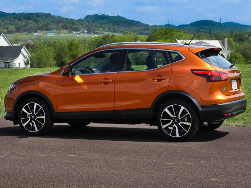 2017 nissan rogue sport road test and review. Black Bedroom Furniture Sets. Home Design Ideas