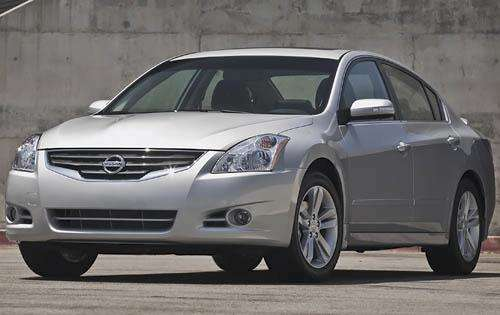 Edmunds.com 2011 Nissan Altima Overview